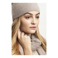 ALL BUNDLED UP // Kaschmirset von @elisamalecluxuryfashion - genau das richtige für diese eisigen Temperaturen  #shoplocal #shoponline  #weloveaustriandesign #supportyourlocaldegsigner #local #fashiondesign #fairfashion #slowfashion Shops, Up, Cashmere, Tents, Retail, Retail Stores