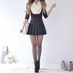 skirt grey red black boots cropped scarf white grey skirt skater skirt mini skirt tennis skirt pleated skirt pleated short skirt black heels c… Casual Winter Outfits, Spring Outfits, Outfit Winter, Winter Boots, Outfits For Teens, Trendy Outfits, Fashion Outfits, Womens Fashion, Fashion Beauty