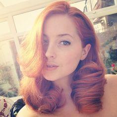 Lucy v selfie