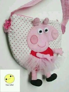Discover recipes, home ideas, style inspiration and other ideas to try. Pig Crafts, Felt Crafts, Peppa Pig Bag, Felt Kids, Cute Sewing Projects, Diy Bags Purses, Organize Fabric, Baby Supplies, Toddler Busy Bags