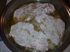 Χοιρινές μπριζόλες το κάτι άλλο !!! ~ ΜΑΓΕΙΡΙΚΗ ΚΑΙ ΣΥΝΤΑΓΕΣ Garlic Butter Noodles, Buttered Noodles, Pork Chops, Meat, Cooking, Food, Greek, Template, Kitchen