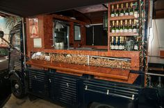 Citroën HY food truck. De Champagnebus.nl. Nice restoration with even a balcony at the end of the truck.