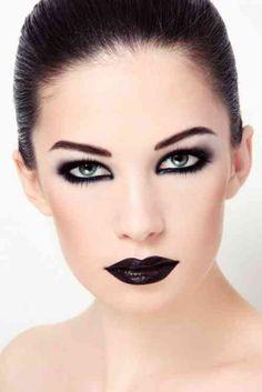 -Black eyeliner and black lipstick compliments the pale skin! Black eyeliner and black lipstick compliments the pale skin! Maquillage Halloween Vampire, Maquillaje Halloween, Black Lipstick, Black Eyeliner, Looks Dark, Looks Cool, Kajal Eyeliner, Makeup Inspiration, Makeup Ideas