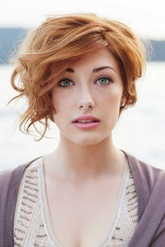light ginger strawberry blonde. Use taupe or auburn brow pencil/powder for blending brows to hair. Taupe for me since mine are blonde.