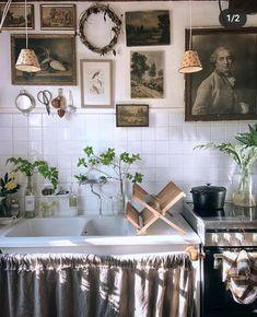 Clawfoot Bathtub, Entryway Bench, Kitchen Design, Gallery Wall, Interior, Instagram, Inspiration, Furniture, Mademoiselle