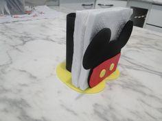 Festa minnie e Mickey Mouse Minie Mouse Party, Mickey Mouse Party Supplies, Minnie Y Mickey Mouse, Fiesta Mickey Mouse, Mickey Mouse Clubhouse Birthday, Mickey Mouse Parties, Baby Mickey, Mickey Party, Mickey Mouse Birthday
