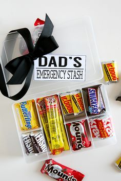 easy Father's day gift idea to make that Dads will actually like - Dad's Emergency Stash - candy and snacks in a box that can be reused for tools or tackle stuff First Fathers Day Gifts, Best Dad Gifts, Fathers Day Presents, Fathers Day Crafts, Grandpa Gifts, Diy Father's Day Gifts Easy, Great Father's Day Gifts, Father's Day Diy, Diy Gifts
