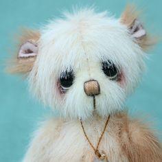 Artist miniature bear | Peanut