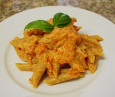 Pasta with red peppers and ricotta sauce
