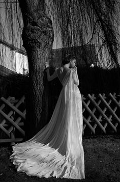 Winter Wedding ideas 50 Fab Favours for your Wedding Day! inbal dror 2013 bridal long sleeve wedding dress lace cape train Look at this amaz. Wedding Dress 2013, Amazing Wedding Dress, Dream Wedding Dresses, Wedding Cape, Backless Wedding, Wedding Gowns With Sleeves, Long Sleeve Wedding, Wedding Night, Bridal Collection