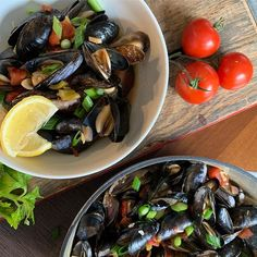 Mussels in Tomato Broth Pesto Potatoes, Lemon Wedge, Green Bell Peppers, Mussels, Celery, Meal Planning, Lunch, Stuffed Peppers