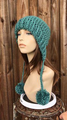 Crochet Hat Earflap, Chunky Crochet Hat, Knit Or Crochet, Crochet Hats, Popular Crochet, Winter Hats For Women, Crochet Woman, Marceline, Pom Poms