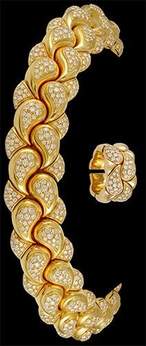 CHOPARD 'Casmir' Diamond Paisley Shaped Necklace & Ring https://www.pinterest.com/janethokoronkwo/hot-haute-accesories/