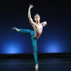 Luis Ortigoza Principal Star Dancer of the Santiago Ballet photo by Patricio Melo    www.thewonderfulworldofdance.com