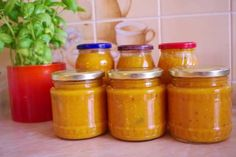 Jak připravit zeleninovou omáčku na těstoviny Preserves, Pickles, Salsa, Jar, Food, Recipes, Syrup, Preserve, Salsa Music