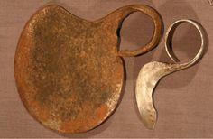 """TURKANA """"Ngigolio"""" finger knife and """"Corogat"""" finger hook, Kenya."""