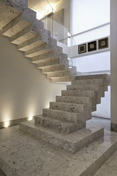 Staircase Information And Details Under Construction - Engineering Discoveries Home Stairs Design, Railing Design, Interior Stairs, Modern House Design, House Staircase, Staircase Landing, Design Exterior, Concrete Stairs, Stairs Architecture