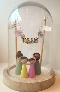 Wood Peg Dolls, Clothespin Dolls, Wooden Art, Wooden Crafts, Mobiles Art, Diy Bebe, Kokeshi Dolls, Lol Dolls, Baby Room Decor