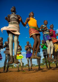 Bashada Tribe Men Dancing And Jumping, Dimeka, Omo Valley, Ethiopia African Culture, African History, Tribal Trends, Black Dancers, Afrique Art, African Dance, Tribal Dance, Tribal People, Tribal Women