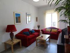 Échale un vistazo a este increíble alojamiento de Airbnb: Apartamento cómodo y céntrico en Sevilla