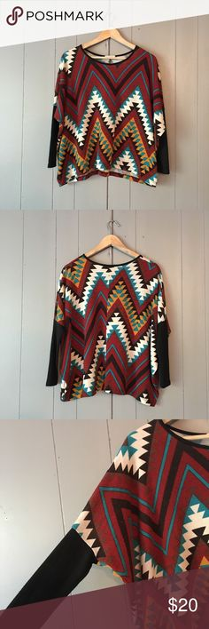 """Tribal Print Dolman Sleeve Lightweight Sweater✨ Super chic top in great condition! Armpit stretches to 30"""". Length is 23-25"""" including the side hem. Offers are welcome. ☺️ Millibon USA Sweaters"""