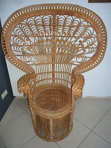 Superbe fauteuil Emmanuelle en osier décor de Paon année 70 vintage loft