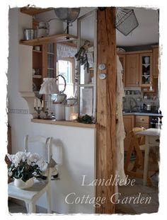 Shabby Cottage, Cottage Homes, Cozinha Shabby Chic, Accent Furniture, Ladder Decor, Interior Decorating, Sweet Home, Dining Table, Cozy