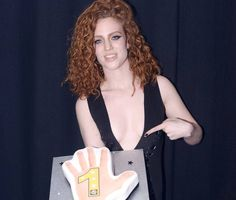 Jess Glynne gains first UK number one with 'Hold My Hand' - News - Music - The Independent