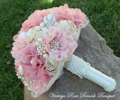 Vintage Rose bouquet | custom-made bridal brooch bouquets. Find custom wedding brooch bouquets perfect for any wedding vintage bridal brooch bouquets