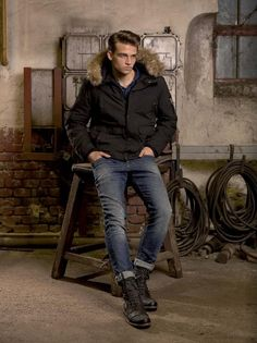 Two of our favorite words? NEW BOOTS ! #DEVERGO Men Boots, Fall Winter, Autumn, Favorite Words, Winter Jackets, Fashion, Winter Coats, Moda, Fall Season