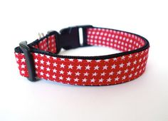 Collar Red small star  by usagiteam on Etsy, $19.00