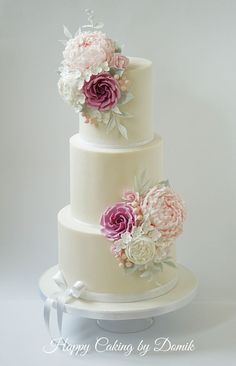 Romantic Wedding Cake I loved making this cake, especially the flowers. Roses&peonies belong to my favorite ones. Was so glad the bride...
