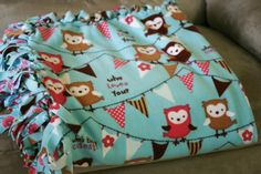 How to Make a No-Sew Fleece Blanket - Live Creatively Inspired