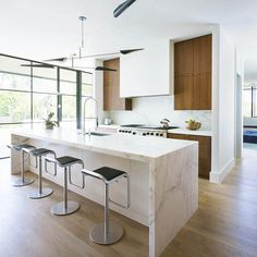 Don't Know How To Design The Next Kitchen? Here Are New Kitchen Interior Design Examples Home Decor Kitchen, Kitchen Furniture, Kitchen Interior, New Kitchen, Kitchen Ideas, Kitchen Trends, Kitchen Planning, Space Kitchen, Kitchen White