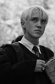 Harry Potter Draco Malfoy, Harry Potter Tumblr, Harry Potter Pictures, Harry Potter Characters, Hogwarts, Slytherin, Tom Felton, Draco Malfoy Imagines, Drago Malfoy