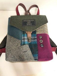 Backpack Straps, Men's Backpack, Laptop Messenger Bags, Laptop Bag, Mens Suit Coats, Mens Suits, Backpack Pattern, Fabric Bags, Vintage Bags