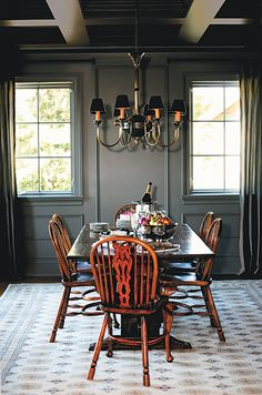 1. Paint trim the same colour as walls  Whether you're using a light or dark colour, this trick minimizes contrast and makes a room feel larger.
