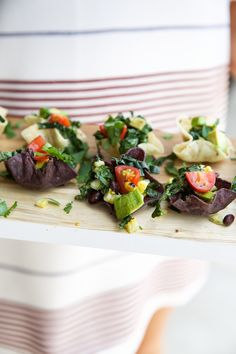 Taco Salad Bites -- the cutest healthy appetizers that are such a perfect way to kickoff a Cinco de Mayo party!