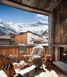 10 Breath-Taking Places To Visit In Autumn Alpine Chalet, Swiss Chalet, Hotel In Den Bergen, Chalet Interior, Interior Design, Alpine Style, Contemporary Home Furniture, San Pellegrino, Log Homes