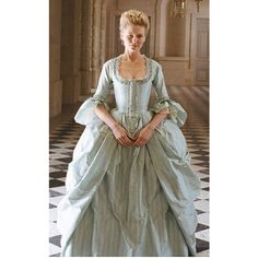 Pinterest ❤ liked on Polyvore featuring medieval and medieval gown