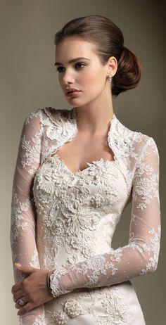 beautiful lace sleeve wedding dress