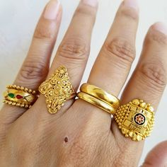 """""""Today's rings!! Please ignore the blood scab on my hand, got scratched while doing some gardening…"""""""