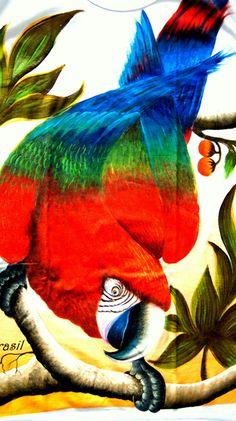 Camisa pintada artesanalmente com paisagem amazônica (nenhuma igual a outra).