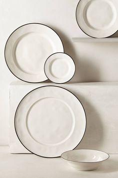 Lascari dinnerware