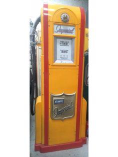 Wayne 60 Petrol Pump Pompe A Essence, Old Gas Pumps, Soda Machines, Old Gas Stations, Globes, Sheds, Hot Rods, Restoration, Garage