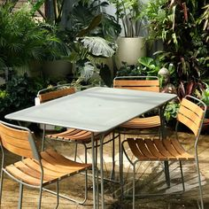 Surprising Teak chairs and Table setting – My Home Design 2019 My Home Design, House Design, Contemporary Outdoor Furniture, French Brands, Sun Lounger, Teak, Table Settings, Outdoor Decor, Home Decor