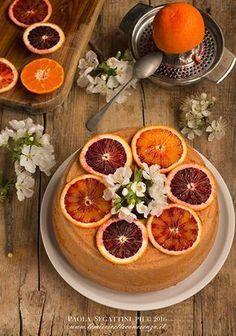 Torta sofficissima all'arancia e cannella, ciambellone sofficissimo all'arancia rossa e cannella, ricetta con zucchero muscovado,zucchero integrale di canna
