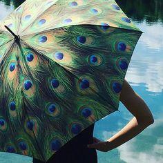 "Motivschirm Automatik ""Pfau"" #peacock #style #pfau #fashionblogger #germanblogger #instablogger #germany #lifestyle #ethno #fashion #accessories #outfit #umbrella #sunshine #beach #sea #bohemian #gypsy #ibiza #sttropez #print  #schirm #regenschirm #travelinstyle #heaven #bluesky #designer #instyle #accessories ☔️"