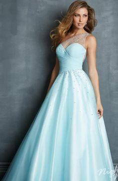 Elegant ball gown! Please jim in my closet