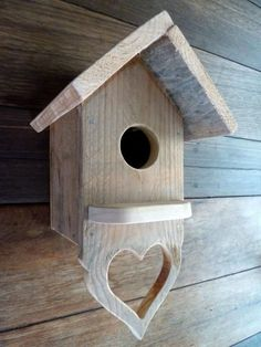 Pallet Serving Tray & Birdhouses, Home Accessories, Pallet Serving Tray & Birdhouses Animal Pallet Houses & Pallet SuppliesPallet Home Accessories. Bird House Plans, Bird House Kits, Recycled Pallets, Wood Pallets, Pallet Wood, Outdoor Pallet, Pallet Benches, Pallet Tables, Pallet Bar